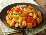 Бързо и лесно нисковъглехидратно кето пиле с ананас, чушки и ароматни подправки